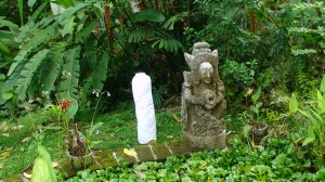 pillowwithstonesculpture